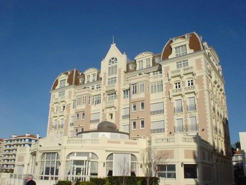 Magnifique appartement face à la baie
