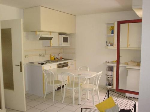 STUDIO AVEC PARKING en location vacances à ST JEAN DE LUZ PROCHE CENTRE