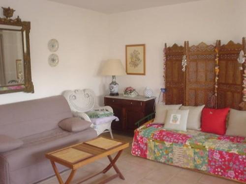 STUDIO AVEC TERRASSE en location vacances à ST JEAN DE LUZ CENTRE