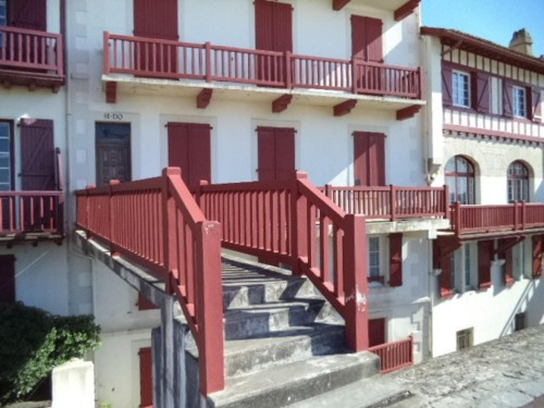 APPARTEMENT VUE SUR MER en location vacances à ST JEAN DE LUZ (vieille ville)