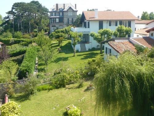 Appartement dans villa en location vacances à ST JEAN DE LUZ (proche centre)