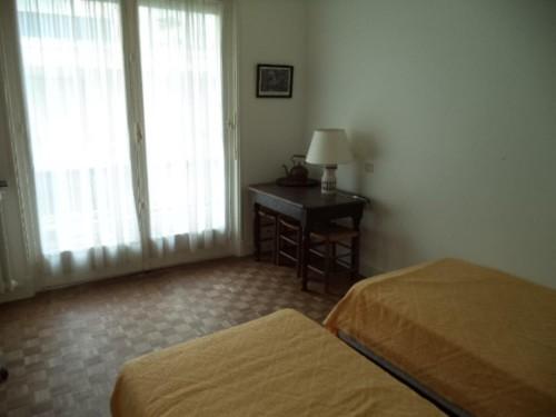 APPARTEMENT AVEC BALCON en location vacances à ST JEAN DE LUZ (GRANDE PLAGE)