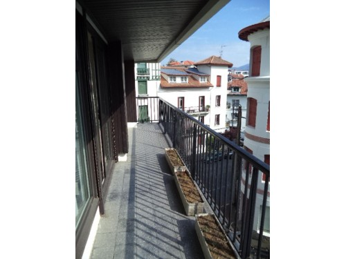 APPARTEMENT en location vacances à ST JEAN DE LUZ CENTRE VILLE
