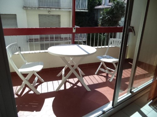 APPARTEMENT AVEC TERRASSE en location vacances à ST JEAN DE LUZ (GRANDE PLAGE)
