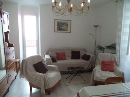 Appartement avec terrasse en location vacances à ST JEAN DE LUZ CENTRE VILLE