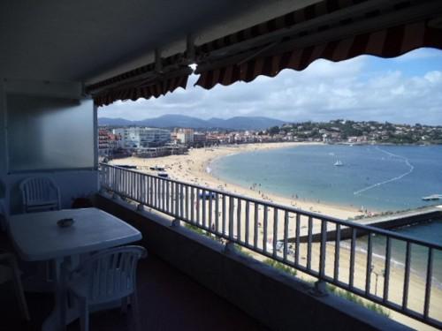 Bel appartement avec vue sur mer en location vacances à ST JEAN DE LUZ (grande plage)