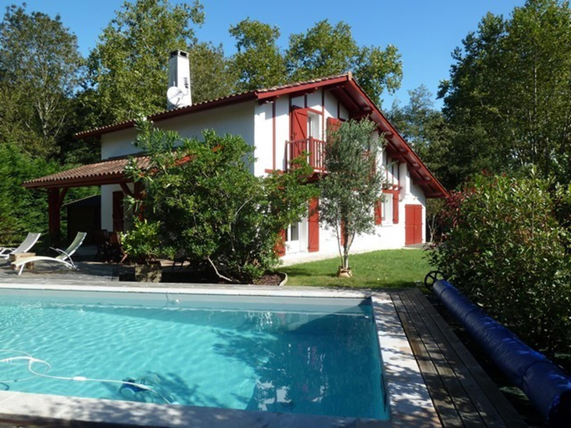 VILLA INDEPENDANTE AVEC PISCINE