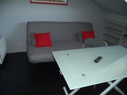 Confortable studette en location vacances à ST JEAN DE LUZ (URDAZURY)