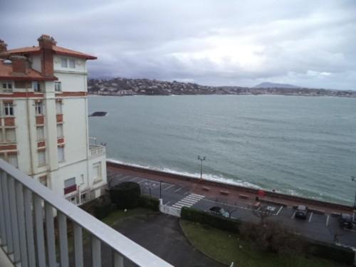 BEL APPARTEMENT FACE A LA BAIE en location vacances à ST JEAN DE LUZ (GRANDE PLAGE)