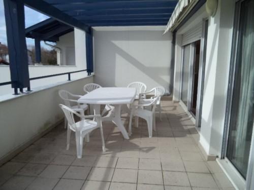 Bel appartement avec terrasse et garage