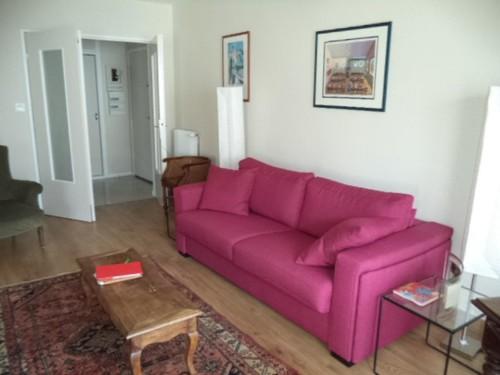 APPARTEMENT AVEC TERRASSE ET PARKING en location vacances à ST JEAN DE LUZ CENTRE VILLE
