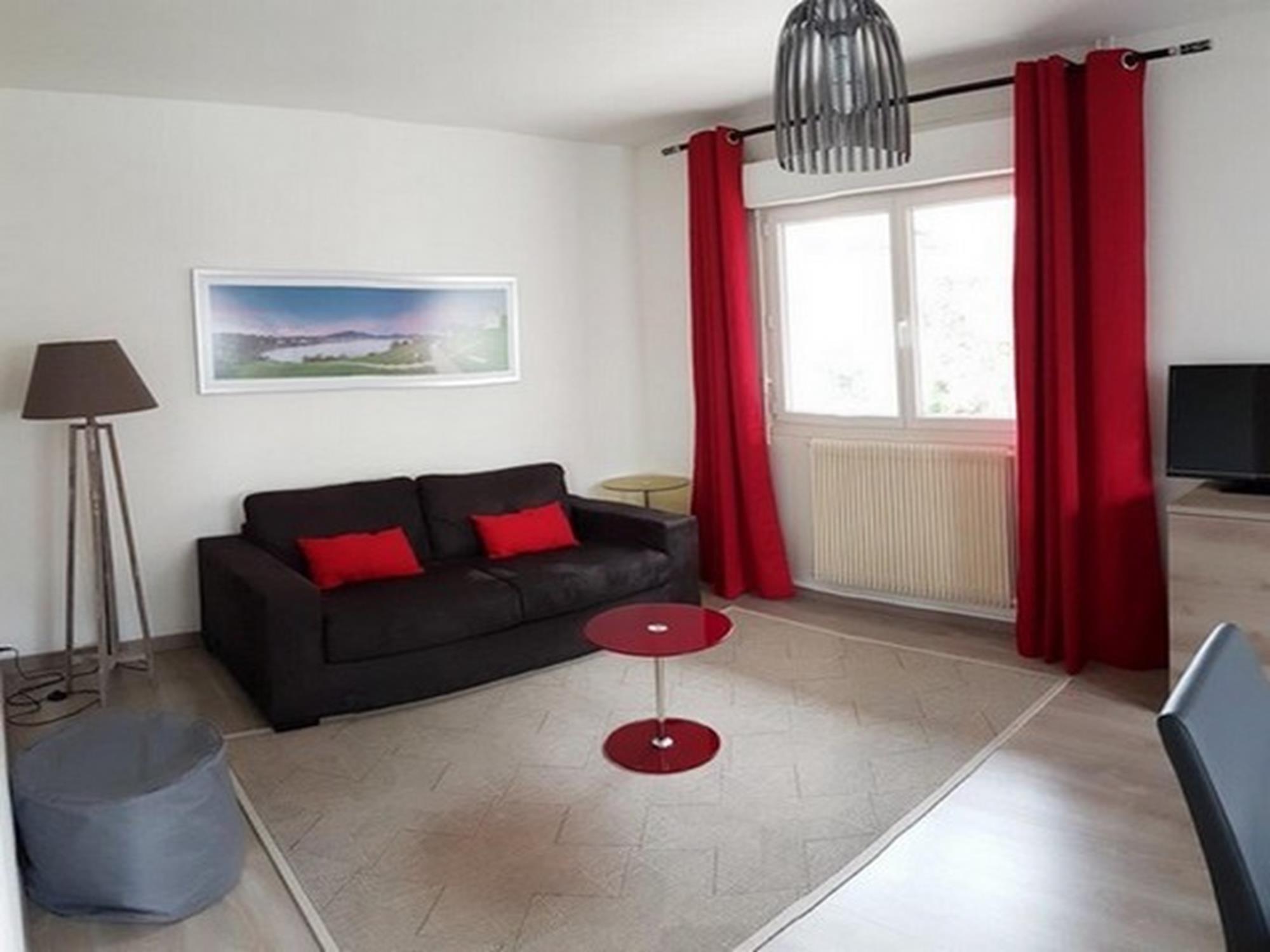 Appartement en rez de chaussée de villa