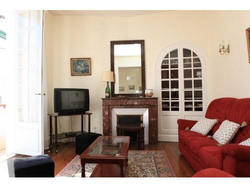 Appartement spacieux avec parking en location vacances à ST JEAN DE LUZ CENTRE-VILLE