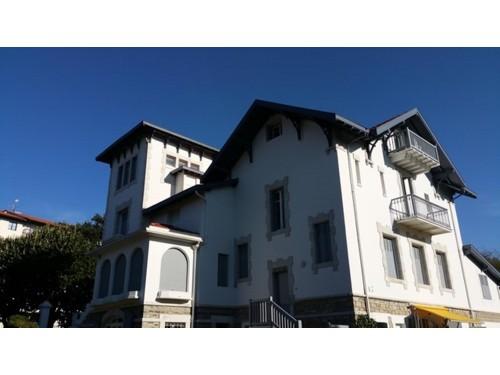 APPARTEMENT AVEC PARKING en location vacances à ST JEAN DE LUZ PROCHE CENTRE