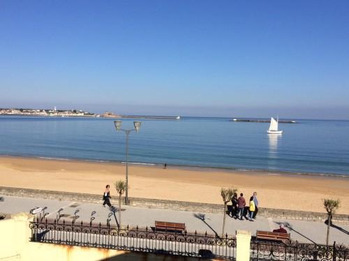 APPARTEMENT VUE SUR MER AVEC PARKING PRIVE en location vacances à ST JEAN DE LUZ (GRANDE PLAGE)