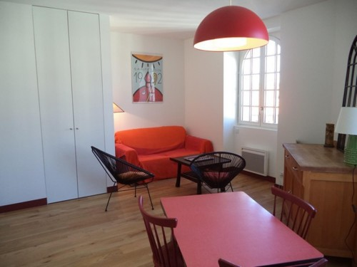 Bel appartement avec parking privé en location vacances à St Jean de Luz centre-ville