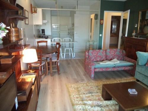 Appartement dans résidence avec piscine en location vacances à CIBOURE proche Golf
