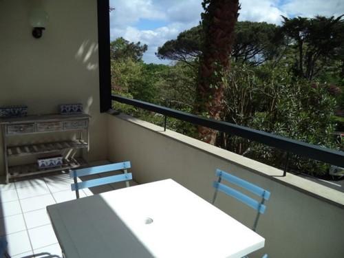 Studio dans résidence avec piscine en location vacances à Ciboure