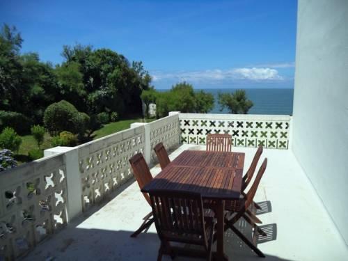 Appartement vue sur mer dans villa en location vacances à ST JEAN DE LUZ BORD DE MER