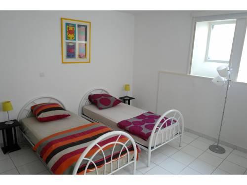 BEL APPARTEMENT AVEC TERRASSE en location vacances à ST JEAN DE LUZ (GRANDE PLAGE)