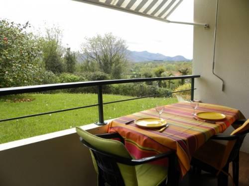 APPARTEMENT DANS RESIDENCE AVEC PISCINE en location vacances à ST JEAN DE LUZ