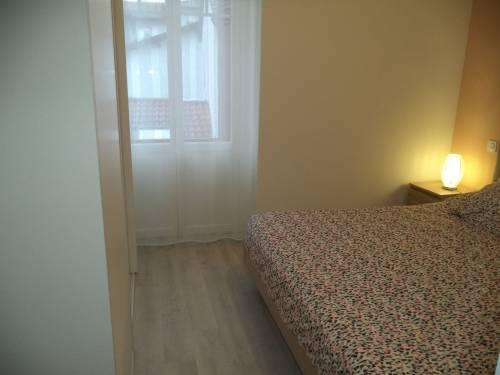 Bel appartement avec parking privé en location vacances à St Jean de Luz centre-plage