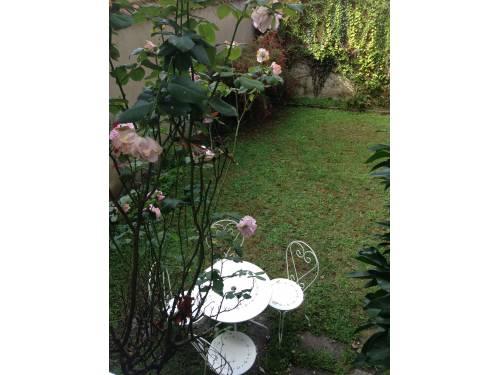 Maison de ville avec garage et jardinet en location vacances à St Jean de Luz centre-ville