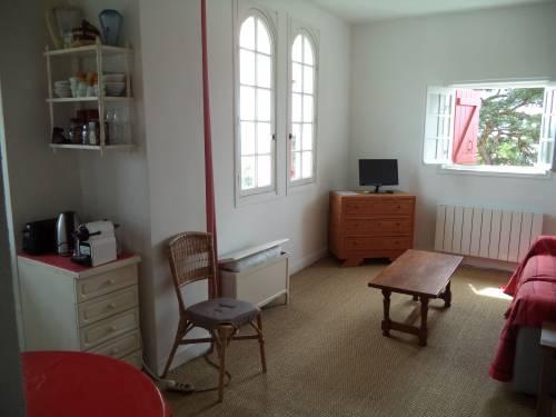 Appartement avec balcon et parking en location vacances à St Jean de Luz  (Acotz)
