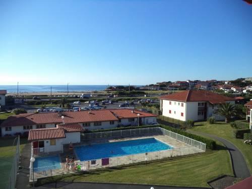 Appartement dans résidence avec piscine et tennis en location vacances à Bidart proche plage