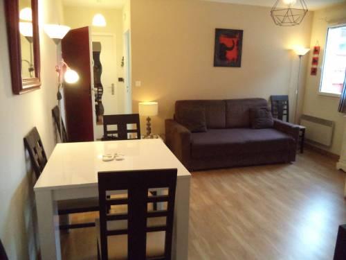 Bel appartement proche plage en location vacances à ST JEAN DE LUZ CENTRE