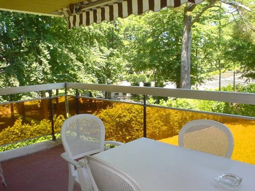 APPARTEMENT AVEC TERRASSE ET PARKING en location vacances à ST JEAN DE LUZ PROCHE CENTRE