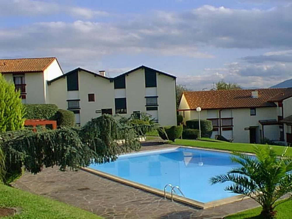 Appartement dans residence avec piscine en location - Residence vacances var avec piscine ...