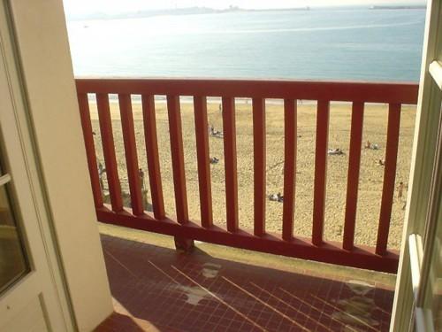 APPARTEMENT FACE MER en location vacances à ST JEAN DE LUZ (GRANDE PLAGE)