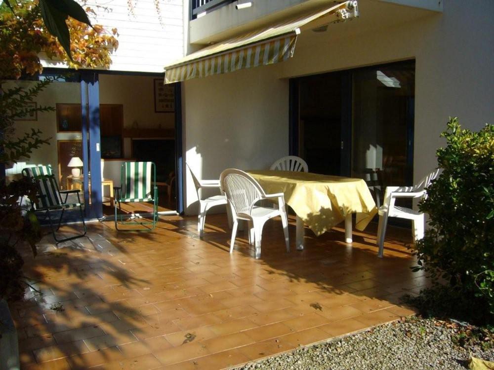 appartement rez de chauss e de villa locations saisonni res saint jean de. Black Bedroom Furniture Sets. Home Design Ideas